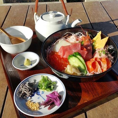 江の島海鮮丼